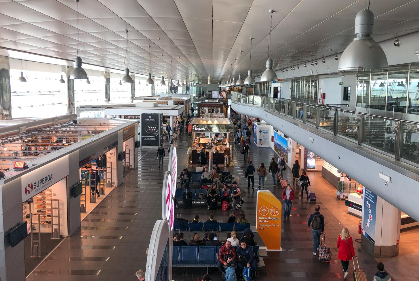 De luchthaven van Turijn